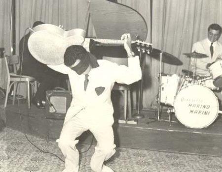 Totlò Savio, esibizione in teatro del Guitar Boogy in vedette con il quartetto M. Marini